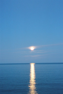 superior_moon1